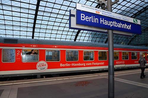 eisenbahn kurier vorbild und modell ire berlin hamburg erfolgreich gestartet. Black Bedroom Furniture Sets. Home Design Ideas