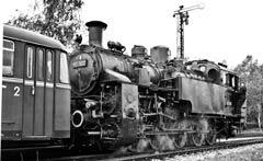 Im Mai 1961: 97 502 in Lichtenstein vor einer VT-95-Garnitur; Aufnahme: Richard Junghans