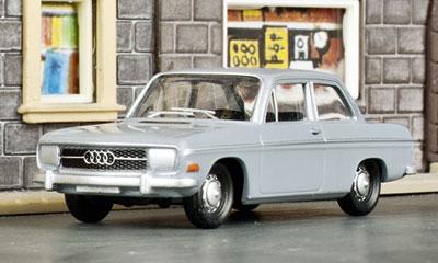 Neu von Herpa: das H0-Modell der Audi 60 Limousine, Baujahr 1968; Foto: RZ