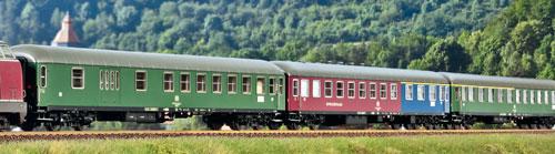 Klassische D-Zug-Wagen für Epoche IVa von L.S.Models; Foto: FZ