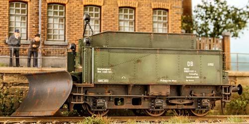 Schneepflug-Tender-T165-028